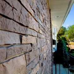 Купить наружные фасадные панели для отделки дома «под камень» и «под кирпич» в Крыму предлагает по доступной цене компания «Рич Стоун»
