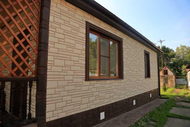 Выгодно купить недорогие фасадные панели для наружной отделки дома «под камень» и «под кирпич» предлагает по доступной цене в Севастополе компания «Рич Стоун»