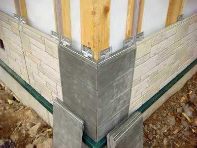 Купить выгодно фасадные панели «под камень» и «под кирпич» для наружной отделки дома предлагает по доступной цене в Симферополе компания «Рич Стоун»