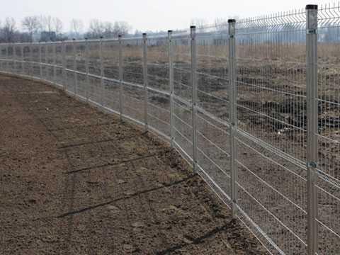 3Д забор из оцинкованной евросетки для ограждения участка в Керчи и Феодосии