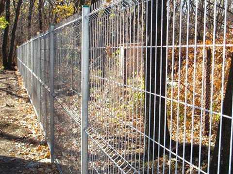 Забор из оцинкованной евросетки (3Д забор) для дачи. Купить в Севастополе