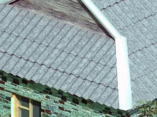 Шифер на крыше дома в Судаке