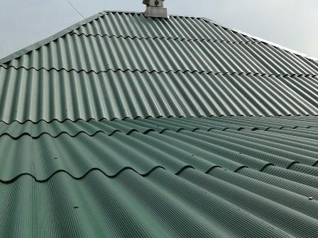 Шифер на крыше дома в Ялте