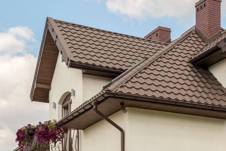 металлочерепица на крыше дома в Октябрьском
