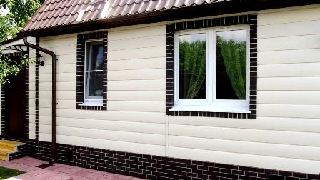 фасад, облицованный виниловым сайдингом